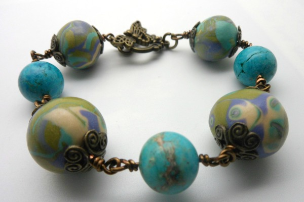 Green Bead Clay Bracelet